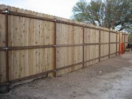 pallet horizontal privacy fence