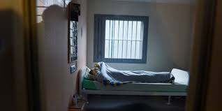 chambre d isolement en psychiatrie mentaux à l isolement ou attachés des abus pointés dans un rapport