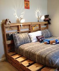 Making A Platform Bed With Headboard by 42 Diy Recycled Pallet Bed Frame Designs