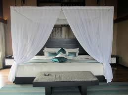 lit de chambre a coucher lit baldaquin des idées sympas pour la chambre à coucher en 23 photos