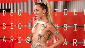miley cyrus appeared almost at mtv vmas 2015 youtube