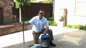 Sealing A Paver Patio by How To Apply A Water Based Wet Look Paver Sealer Youtube