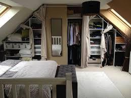decoration chambre comble avec mur incliné dressing sous pente avec rideaux et 2017 et decoration chambre