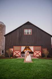 who wants to get married in an old barn plenty of folks