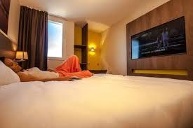 chambre high tech hotelio des chambres high tech du sol au plafond pour un