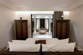 exemple deco chambre idées déco 10 armoires originales pour sublimer une décoration de