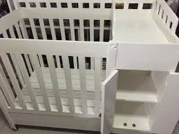 Mini Crib Vs Bassinet by Mini Crib Vs Bassinet Bassinet Decoration All About Crib