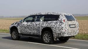 mitsubishi pajero 2016 2016 mitsubishi pajero montero spied for the first time