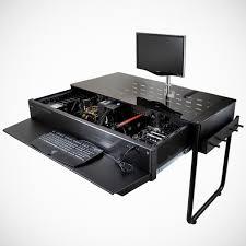 in bureau lian li desk pc een krachtpatser een computer vermomd als bureau