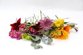 How To Make Floral Arrangements Bouquet Diy How To Make Floral Arrangements With Supermarket