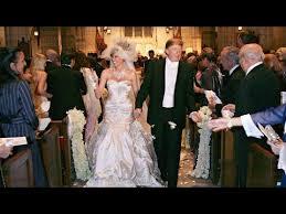 Ivanka Trump Wedding Ring by Melania Trump U0027s Wedding Dress Ring And Cake With Donald Trump