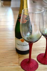 Modern Wine Glasses by Diy Glitter Wine Glasses The Modern Day Girlfriend