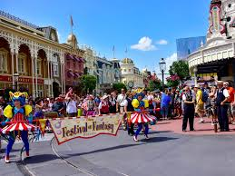 themes in magic kingdom mouseplanet parades of the magic kingdom a photo tour by donald