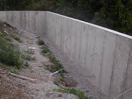 how to build a concrete retaining wall u2014 farmhouse design and