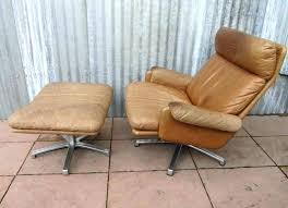 Swivel Chair And Ottoman Fantastic Swivel Chair And Ottoman This From Snuggle Swivel