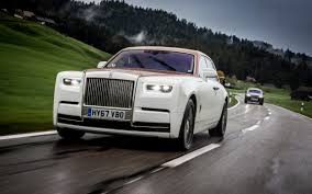 roll royce wraith inside in pictures we drive rolls royce u0027s über luxurious phantom viii
