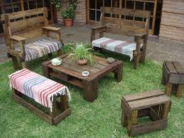Diy Wood Pallet Outdoor Furniture by Build A Pallet Patio Furniture Set Pallet Furniture
