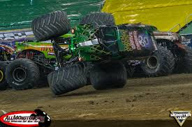 monster jam grave digger truck adam anderson clinches monster jam fs1 championship series in