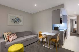 one bedroom apartments adina apartment hotel auckland britomart best rate guaranteed