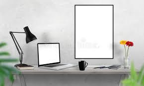 cadre photo bureau cadre d ordinateur portable et d affiche sur le bureau café cactus