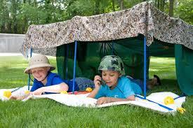 Kids Backyard Forts 5 Summer Activities For Kids Mommy Scene