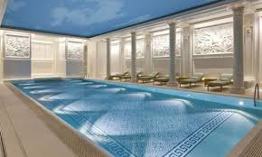 hotel piscine dans la chambre hôtels à avec piscine