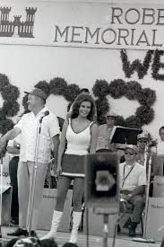 1967 bob hope christmas show cam ranh bay vietnam legiontown