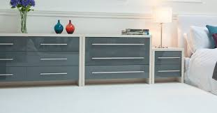 High Gloss Bedroom Furniture by Schreiber Shaker Walnut Bedroom Compare Com Independent