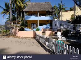 beach bungalow stock photos u0026 beach bungalow stock images alamy
