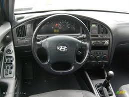 2005 hyundai elantra gt 2005 hyundai elantra gt hatchback gray dashboard photo 41637575