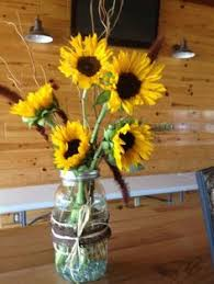 Sunflower Wedding Centerpieces by Sunflower Centerpiece Decorations With Burlap Sunflower Table