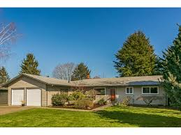 one level homes move in ready one level ranch living room realty portland real