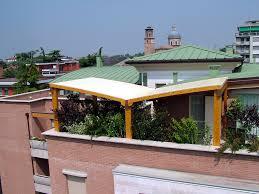 tettoia in legno per terrazzo coperture terrazzi realizzazione e produzione di copri balcone e