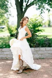 wedding dresses that go with cowboy boots cowboy wedding dresses fallcreekonline org