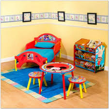 Minnie Mouse Bedroom Set Toddler Mickey Mouse Bedding For A Toddler Bed 721