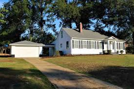 3 bedroom homes with garages under 150k in anderson county