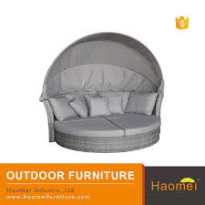 large round wicker rattan outdoor daybed with canopy for resort