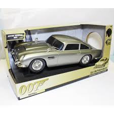 aston martin classic james bond toy state 62033 james bond 007 skyfall aston martin db5 q