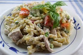 Salad Main Dish - 10 hearty main dish salad recipes