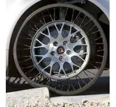 pneu sans chambre à air le pneu sans air increvable bibendum se dégonfle challenges fr