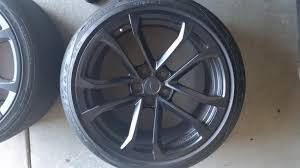 zl1 camaro tires 1le zl1 oem black 10 spoke 285 s square tires camaro5 chevy