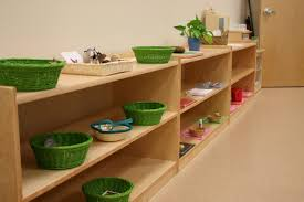 Montessori Bookshelves by Montessori Vs Daycare What Is The Difference For Your Toddler