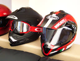 oakley goggles motocross anyone sporting a helmet with goggles ducati ms the ultimate