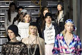 chanel si e social chanel models the runway dressed as cyborgs daily mail