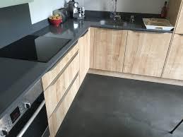 cuisine béton ciré pose d une cuisine et réalisation d un béton ciré sur le sol
