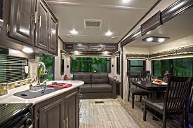cruiser aire family friendly fifth wheel at crossroads rv