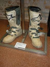custom motocross boots file javier garcia vico mx boots 2007 jpg wikimedia commons