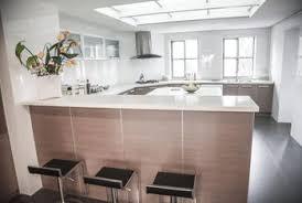 Glass Tiled Backsplash Ideas To Use With Silestone Countertops - Silestone backsplash