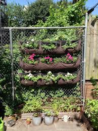 Vertical Flower Bed - 15 inspiring and creative vertical gardening ideas and designs