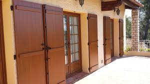 porte battant cuisine pose de volets battants pour un aménagement extérieur